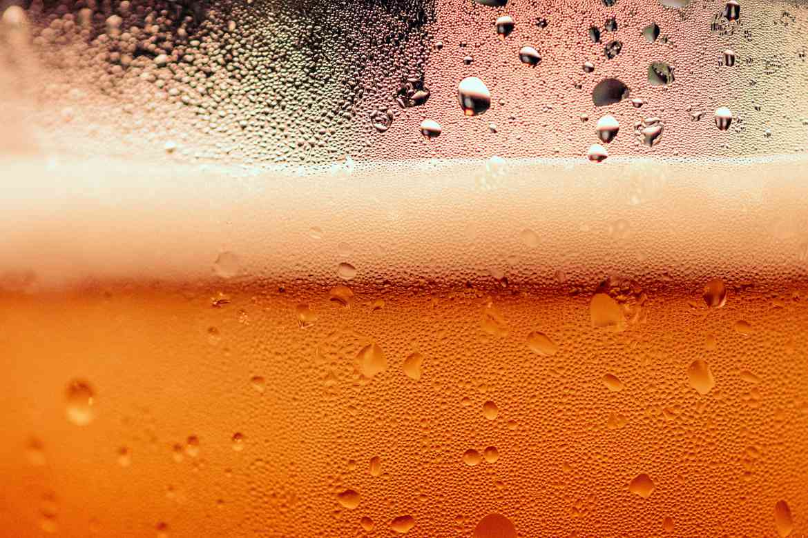 Drinking At Work And What To Do About Alcohol In The Workplace header image